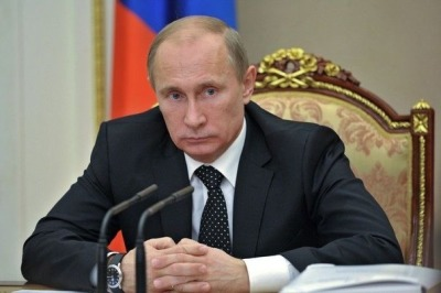 486294_le-president-russe-vladimir-poutine-le-22-novembre-2012-lors-d-une-reunion-au-kremlin-a-moscou